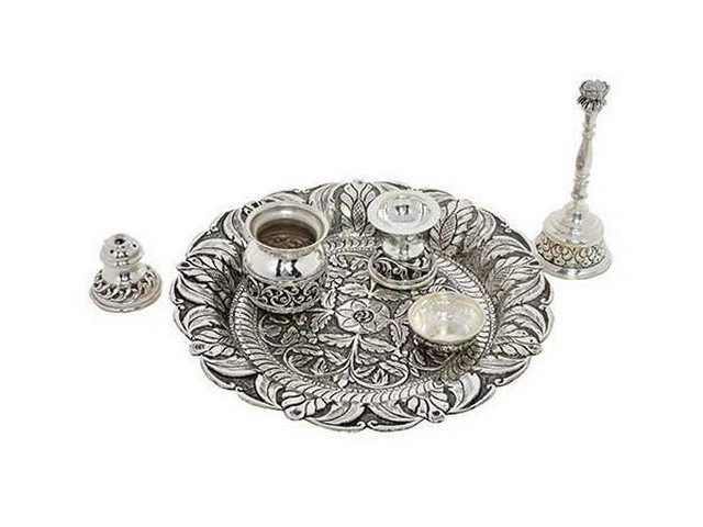 Cash for Silver cutlery and tea sets