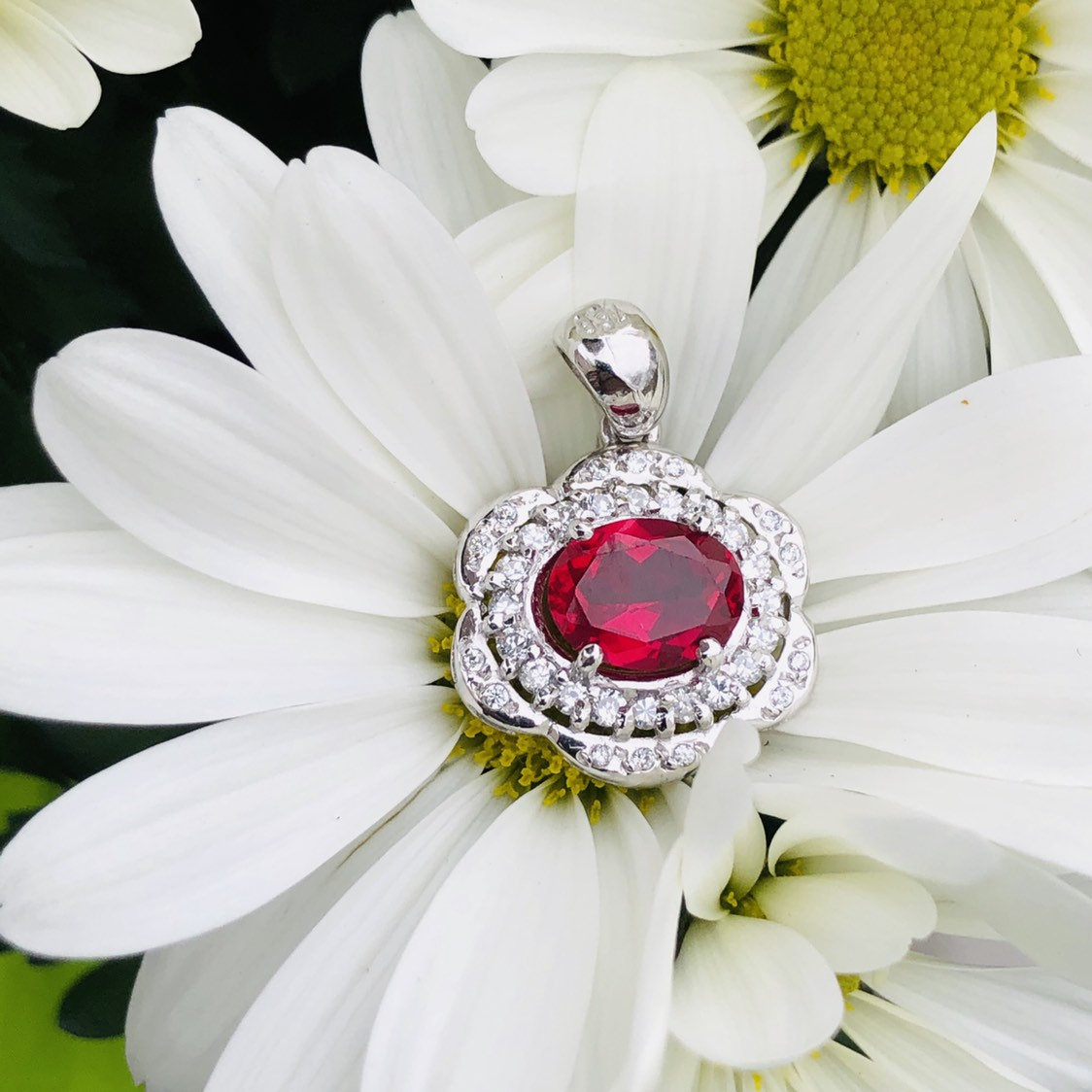 Stunning 18k White gold with CZ and red stone Pendant